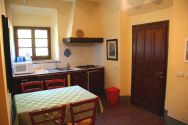 Self-catering holiday apartments in Chianti